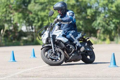 Motorrijbewijspoint Leidschendam motor rijtest