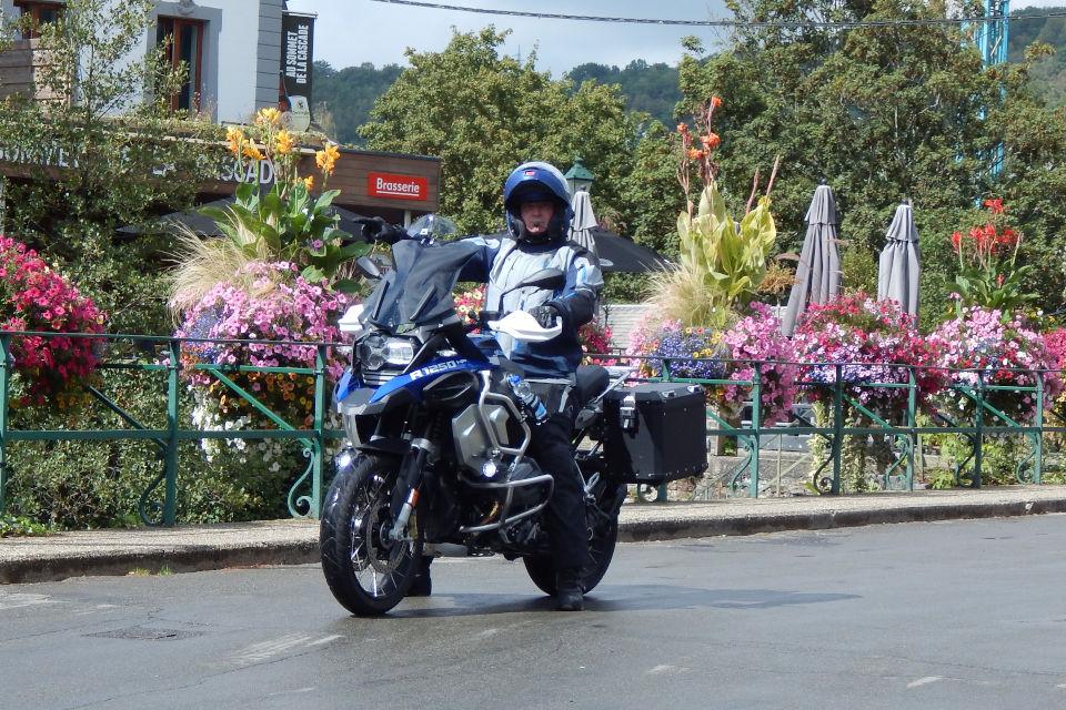 Motorrijbewijspoint Leidschendam examengarantie AVB en AVD